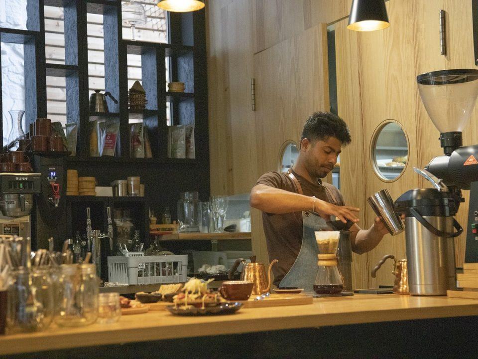 aprenda como abrir uma cafeteria em sua cidade